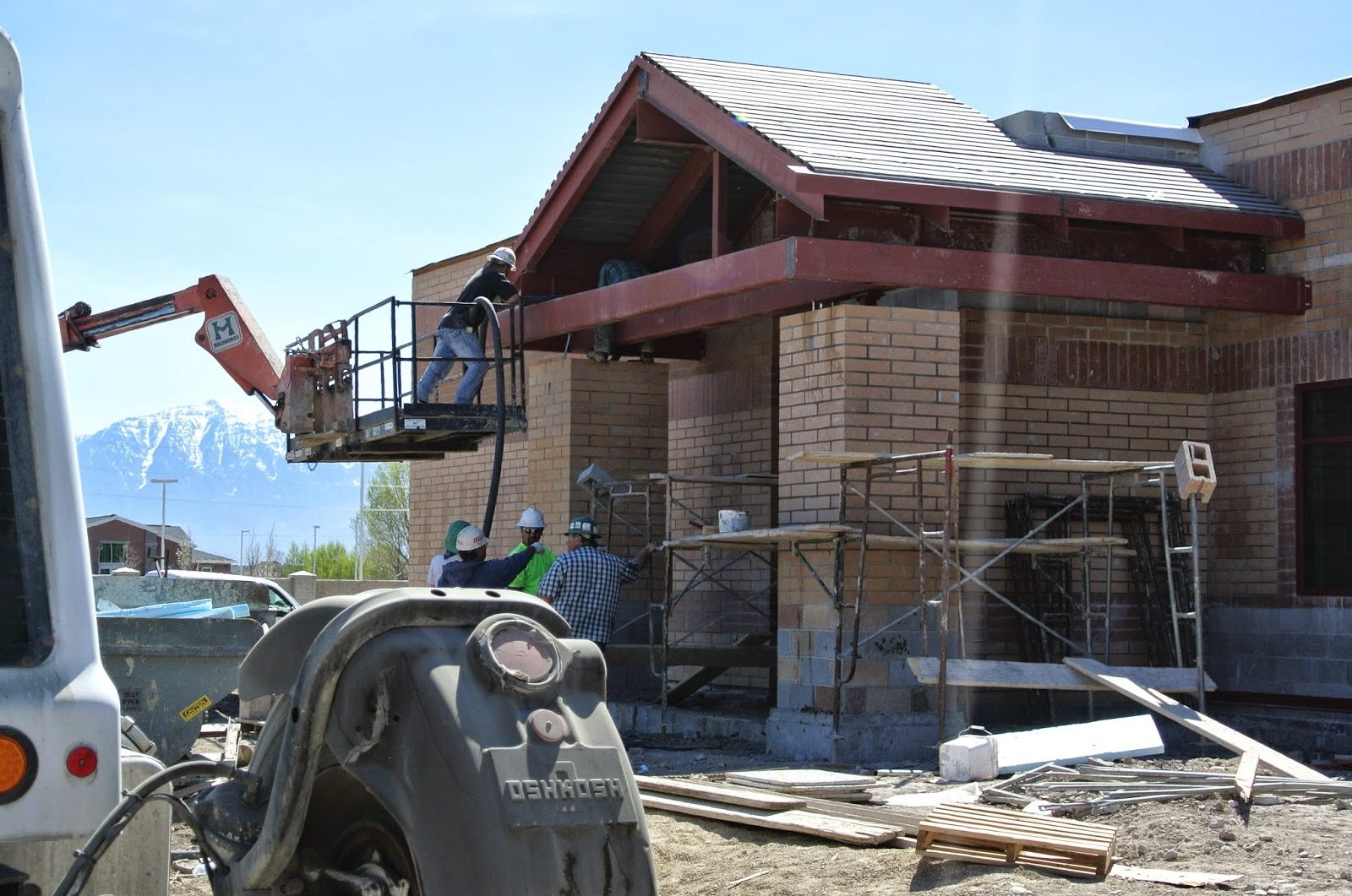 Installation Support for Entry Way on the Side of the School Building | Dry Creek Elementary, Lehi, UT